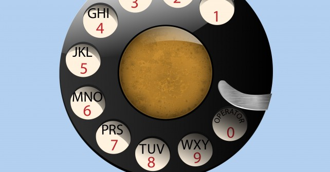 disc-dials-of-old-retro-phone-913-686